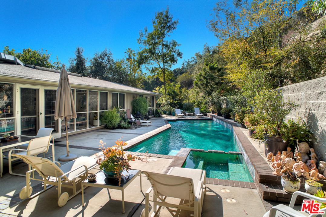 2855 MORAGA, Los Angeles (City), CA 90077