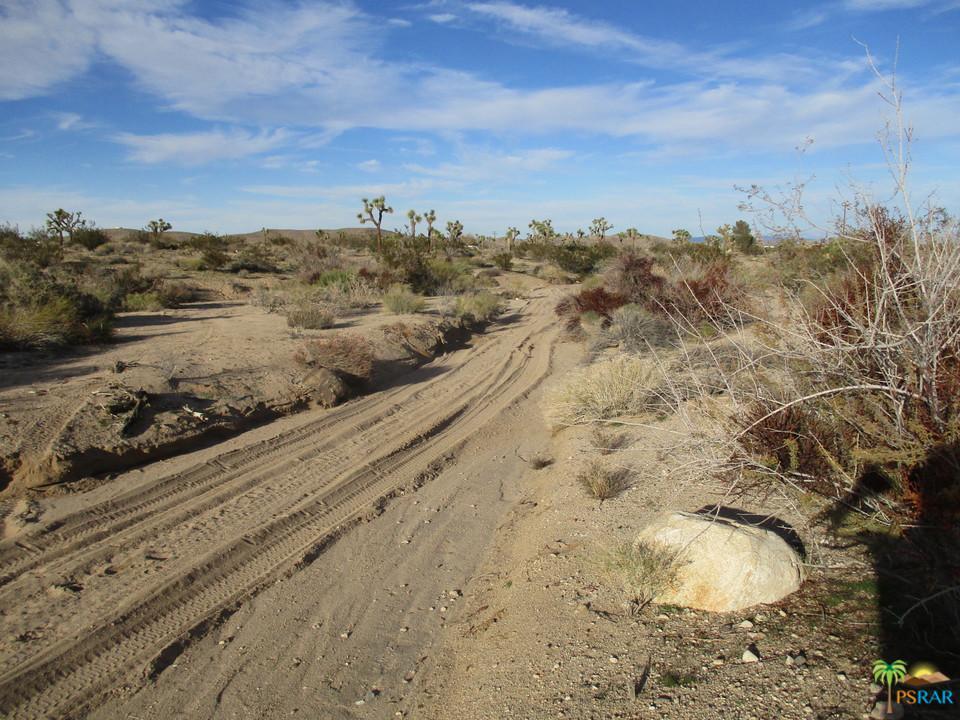 0 0599-021-66 INEZ, Yucca Valley, CA 92284