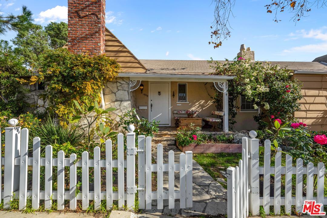 1948 BENECIA, Los Angeles (City), CA 90025