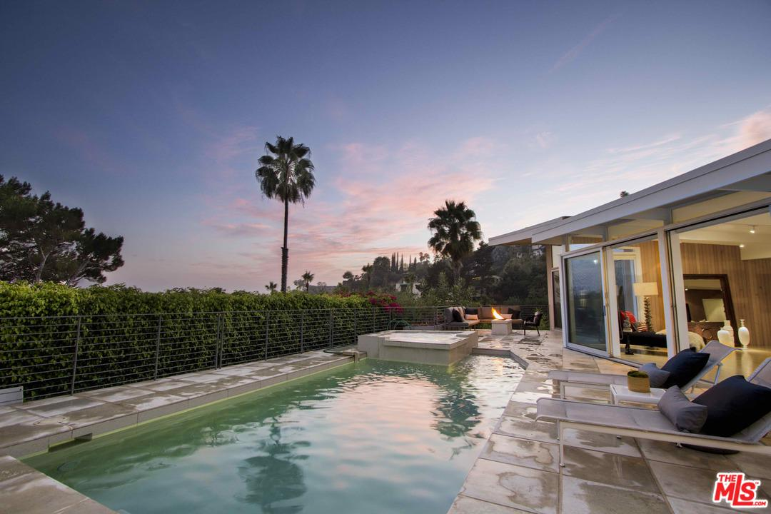 1551 ORIOLE, Los Angeles (City), CA 90069