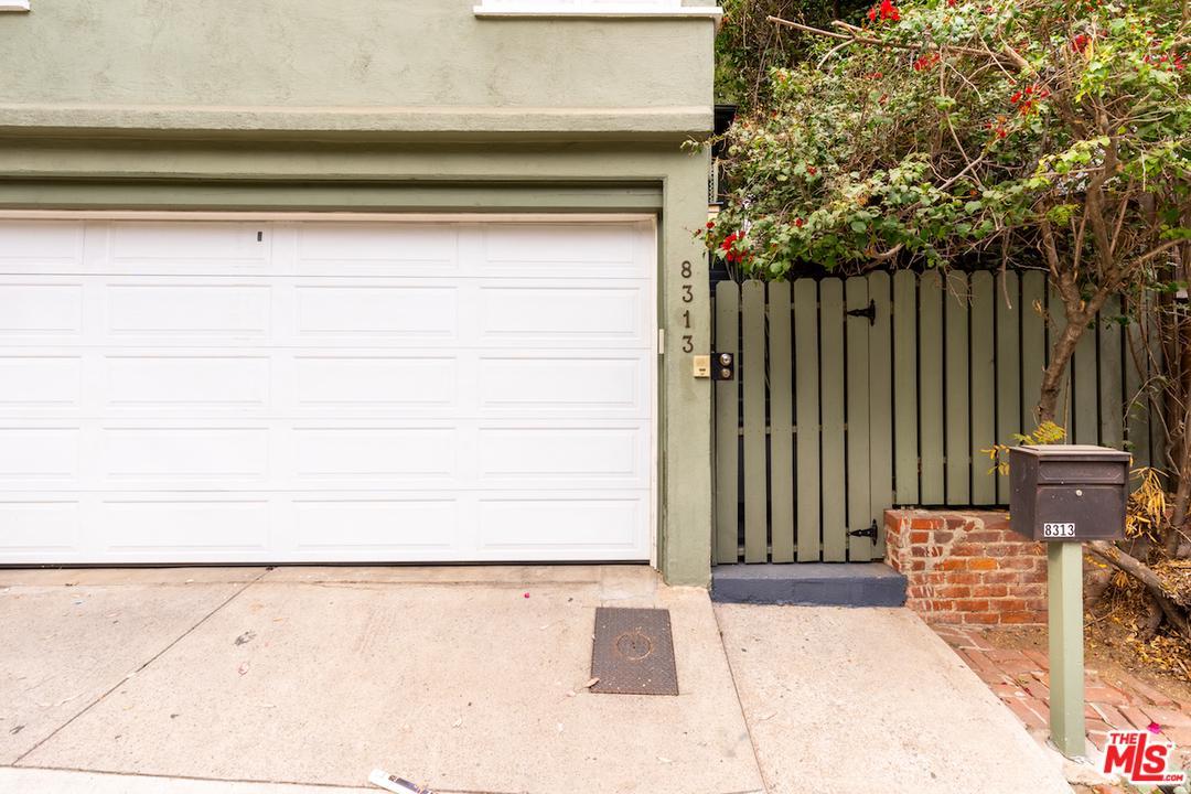 8313 KIRKWOOD, Los Angeles (City), CA 90046