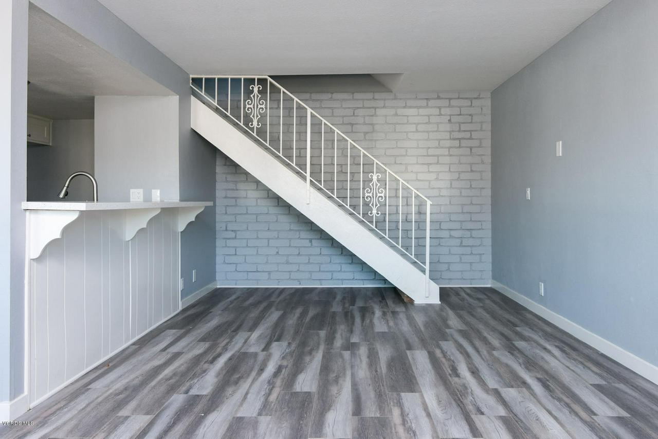 1102 PORTOLA, Ventura, CA 93003 - 1102 Portola Rd-002-14-Living Room-MLS_S