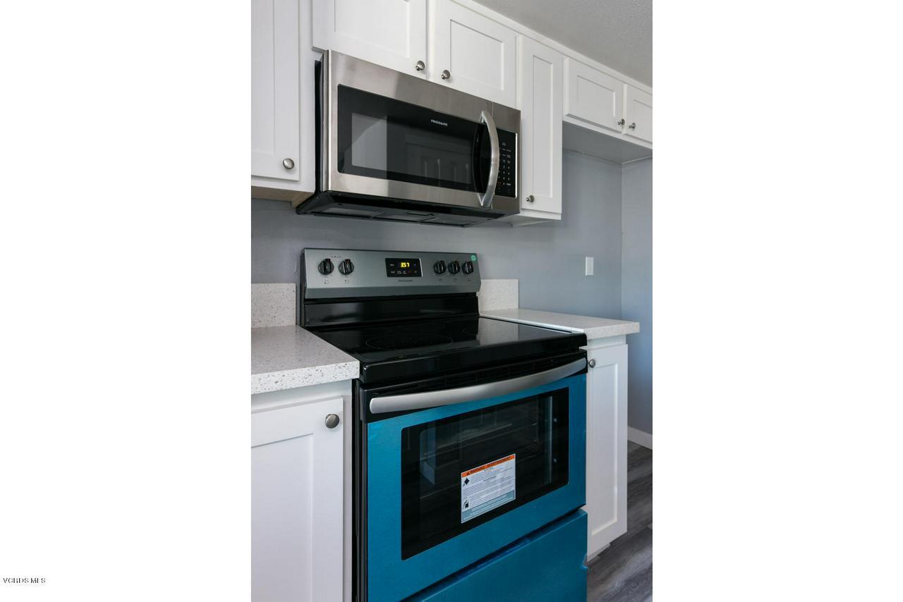 1102 PORTOLA, Ventura, CA 93003 - 1102 Portola Rd-007-8-Kitchen-MLS_Size