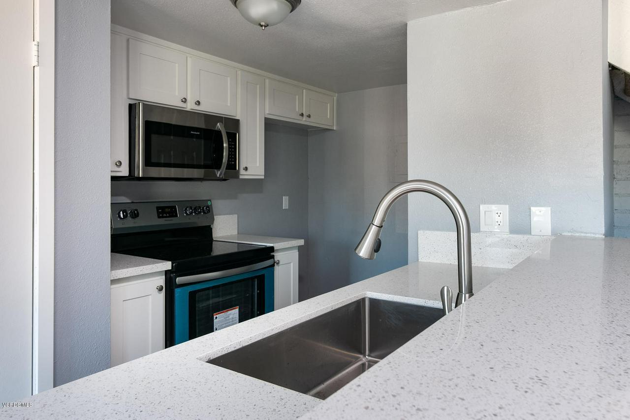 1102 PORTOLA, Ventura, CA 93003 - 1102 Portola Rd-006-5-Kitchen-MLS_Size