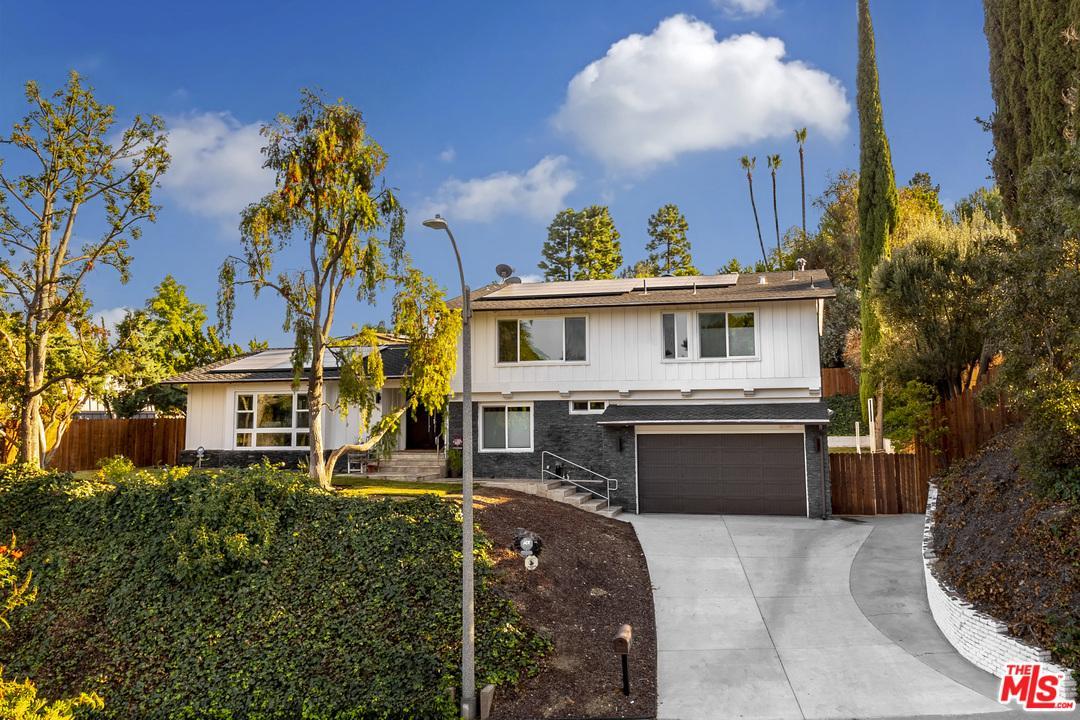 16544 PARK LANE, Los Angeles (City), CA 90049