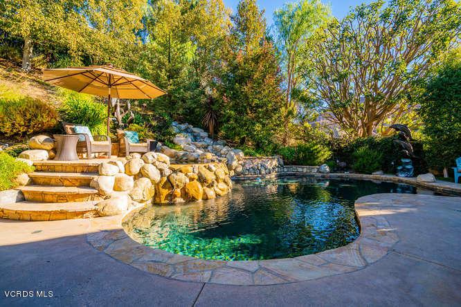 2568 AUTUMN RIDGE, Thousand Oaks, CA 91362 - 2568 Autumn Ridge Dr Thousand-small-034-