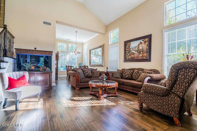2568 AUTUMN RIDGE, Thousand Oaks, CA 91362 - 2568 Autumn Ridge Dr Thousand-small-004-