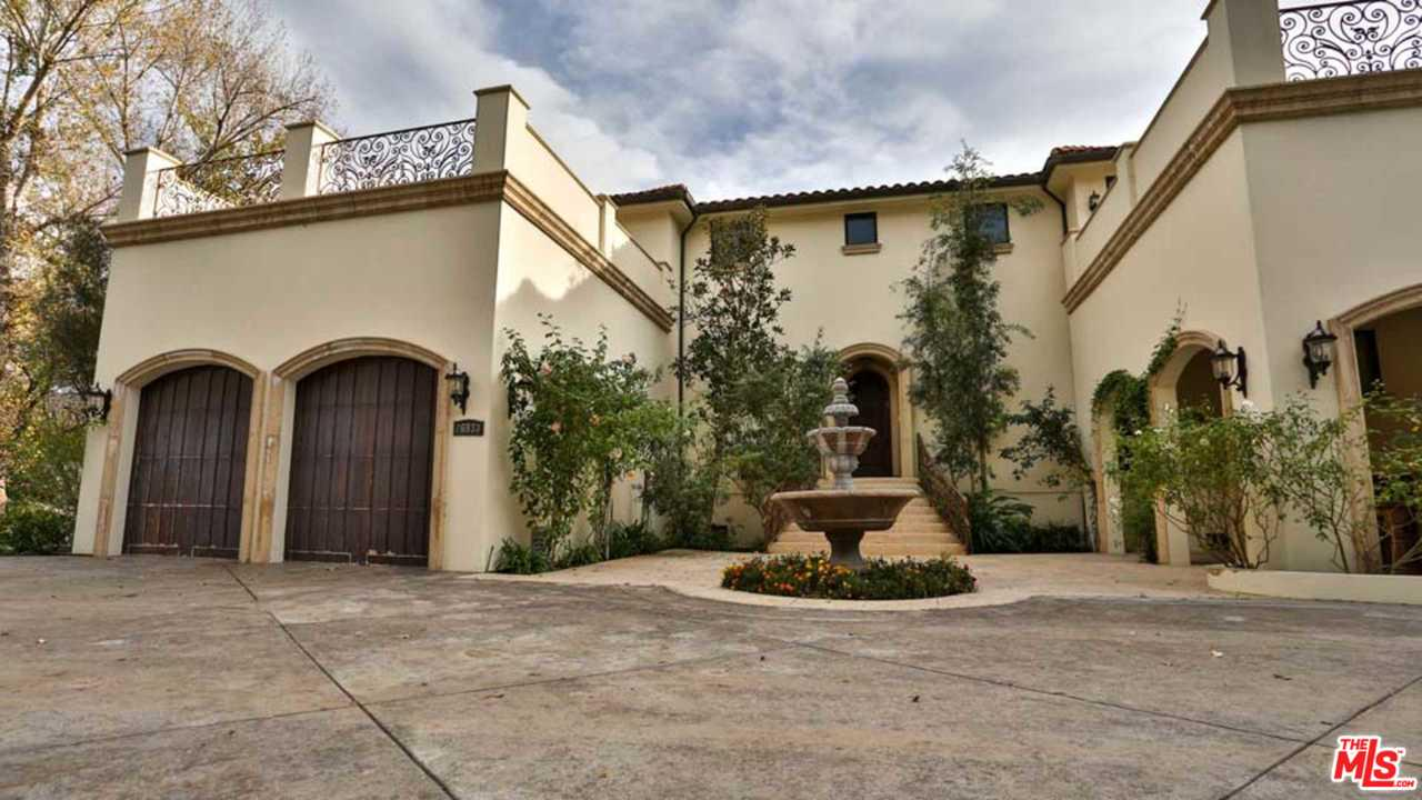 Photo of 26933 SAND CANYON RD, Canyon Country, CA 91387