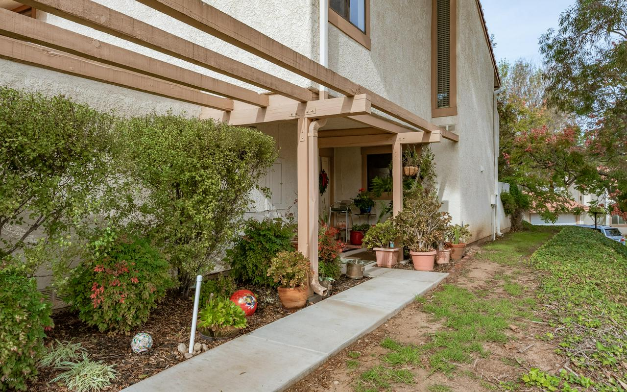 258 MARIPOSA, Newbury Park, CA 91320 - 03-Walkway