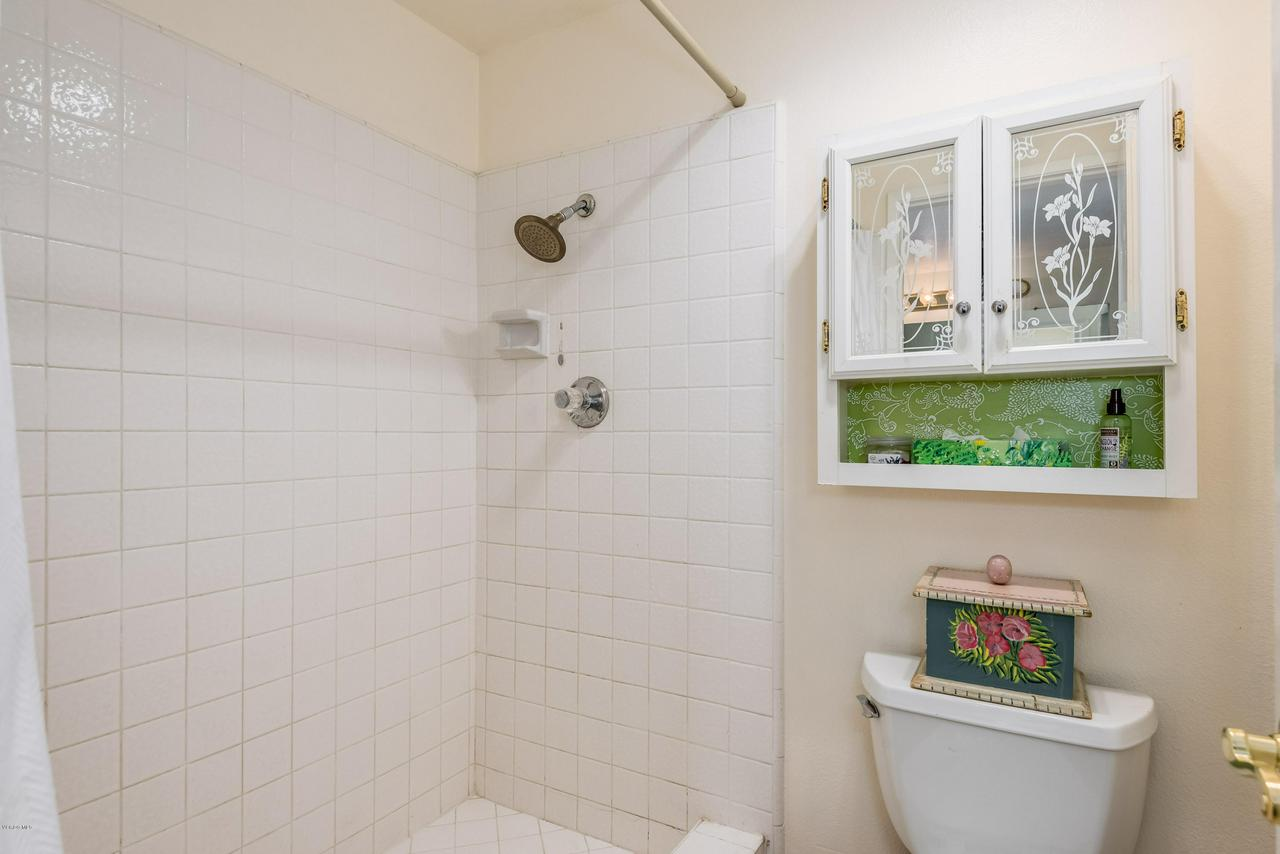 258 MARIPOSA, Newbury Park, CA 91320 - 19-Master Bathroom