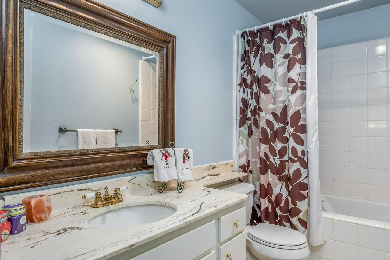 258 MARIPOSA, Newbury Park, CA 91320 - 22-Bathroom 2
