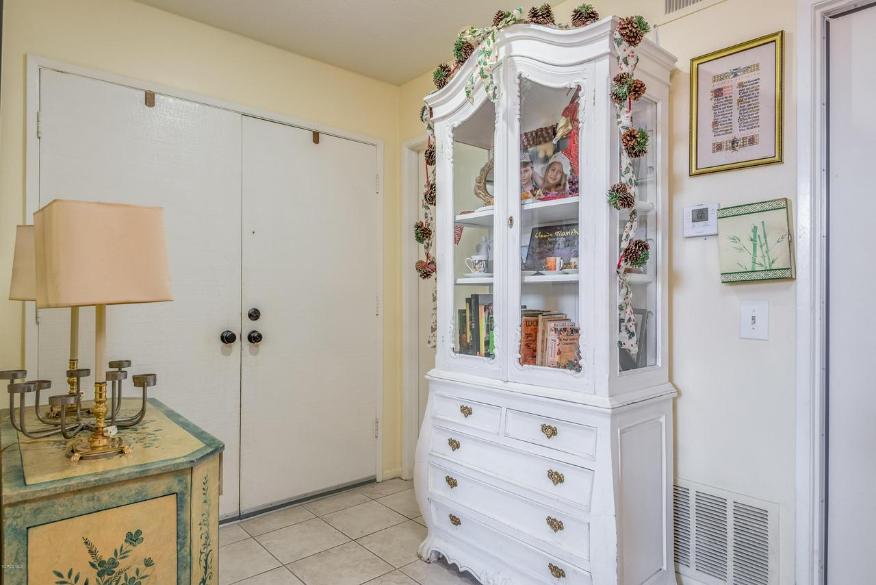 258 MARIPOSA, Newbury Park, CA 91320 - 05-Entrance