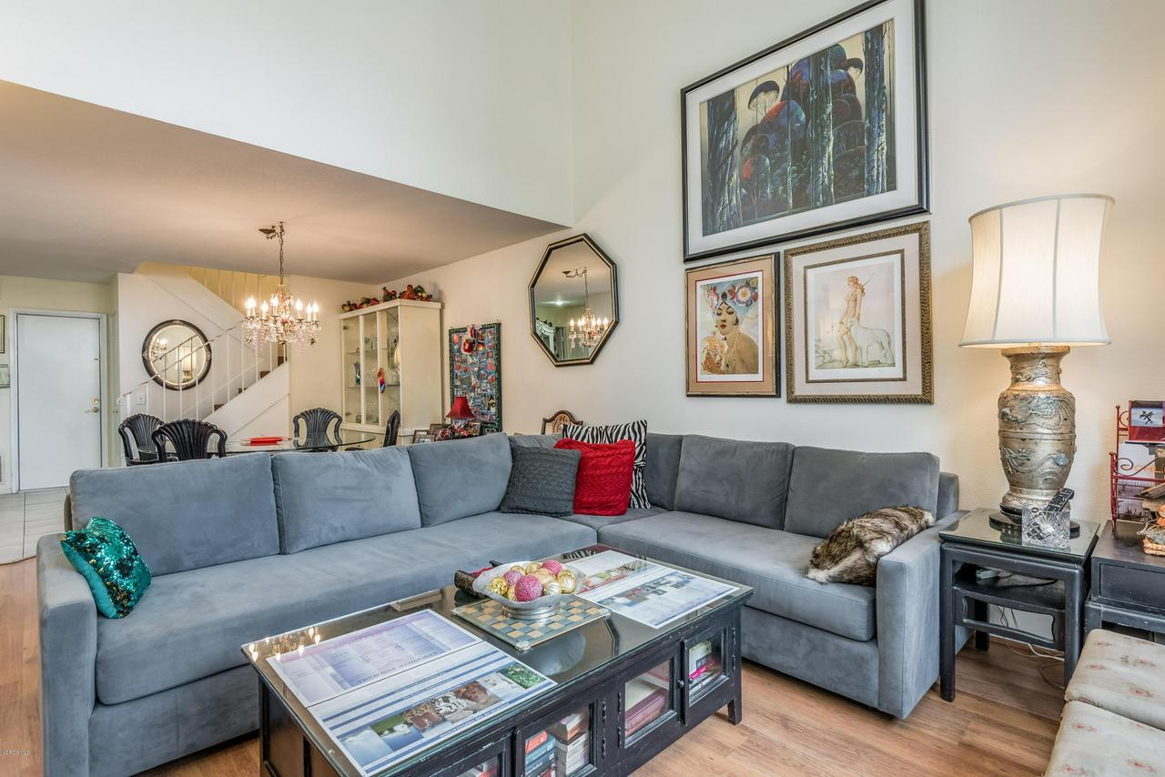 258 MARIPOSA, Newbury Park, CA 91320 - 10-Living Room