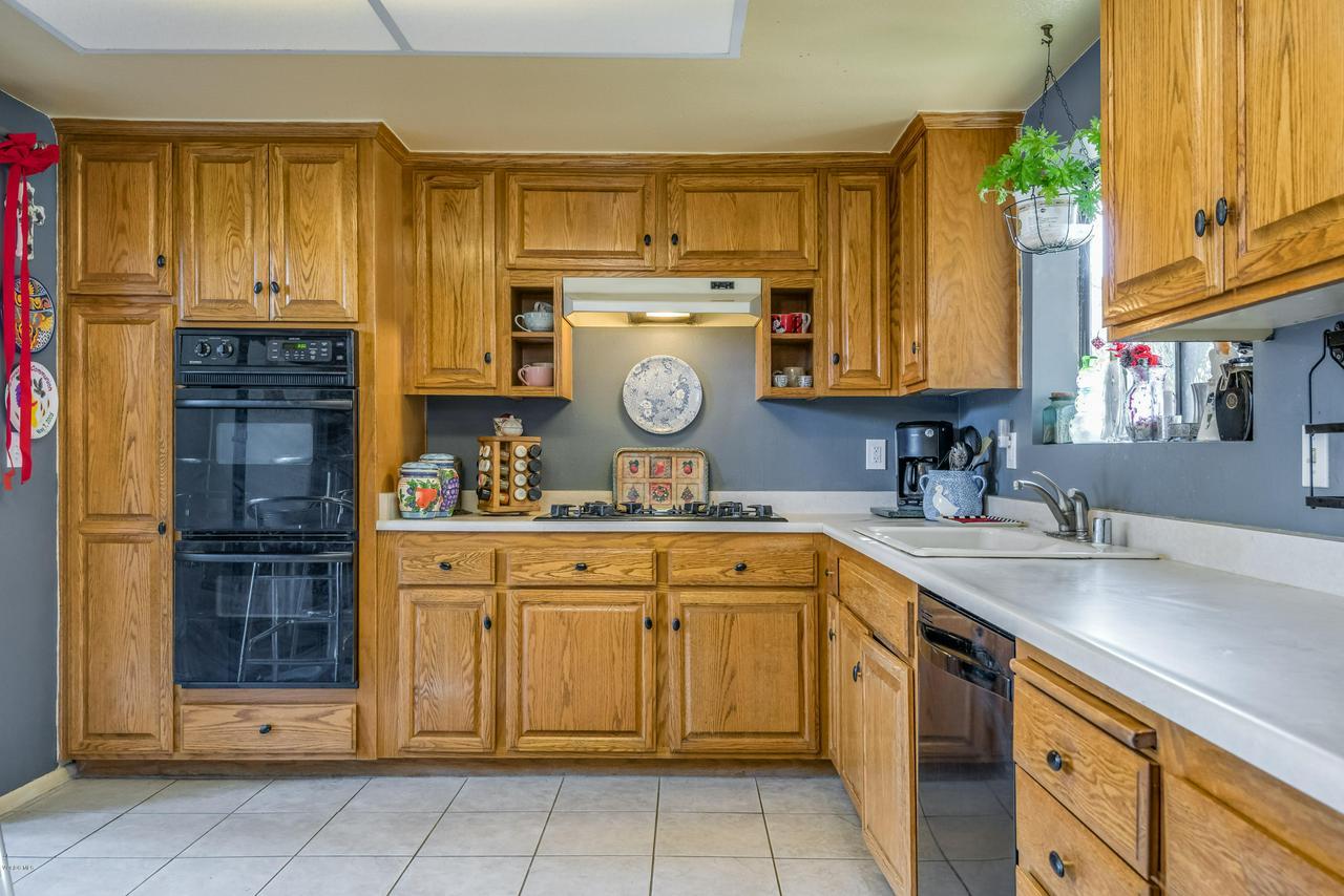 258 MARIPOSA, Newbury Park, CA 91320 - 12-Kitchen