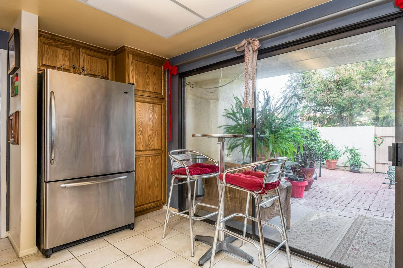 258 MARIPOSA, Newbury Park, CA 91320 - 14-Kitchen