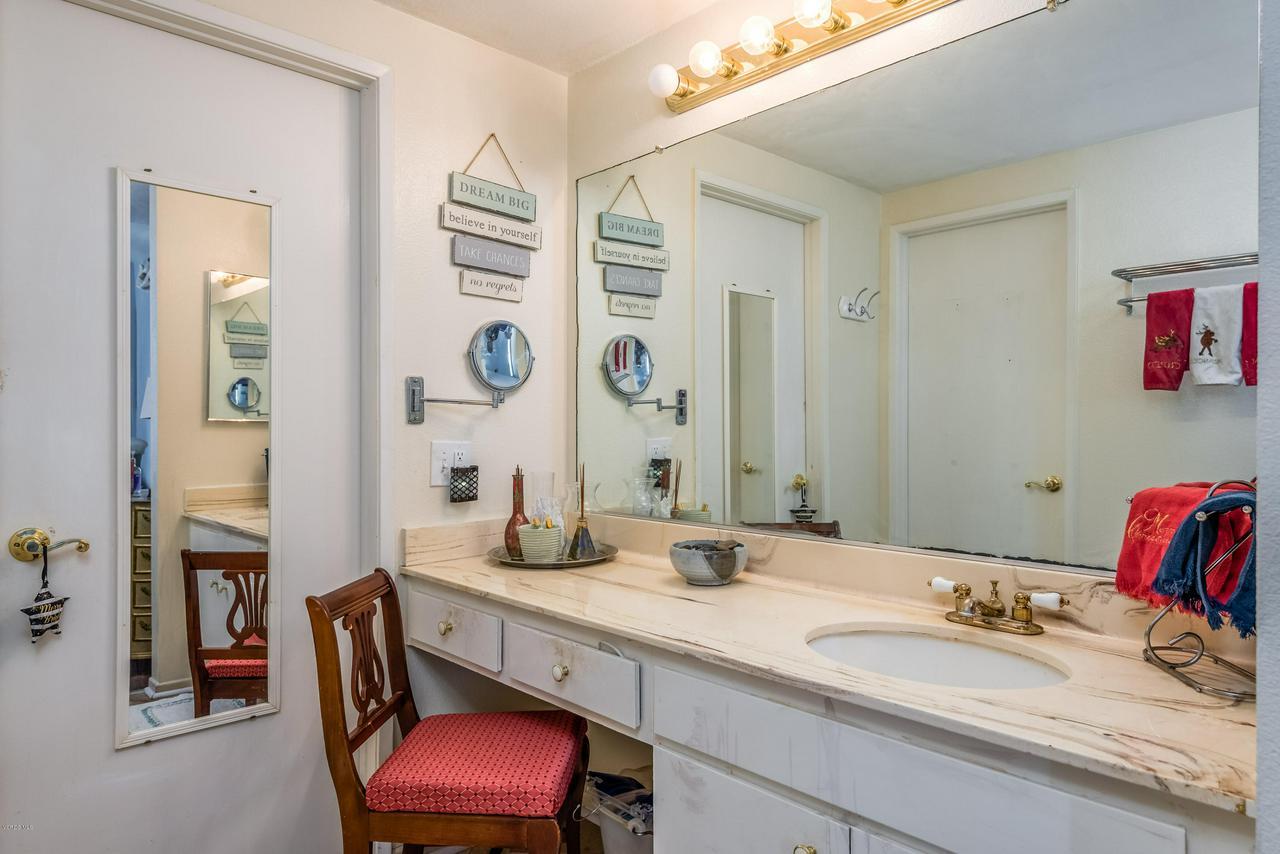 258 MARIPOSA, Newbury Park, CA 91320 - 18-Master Bathroom