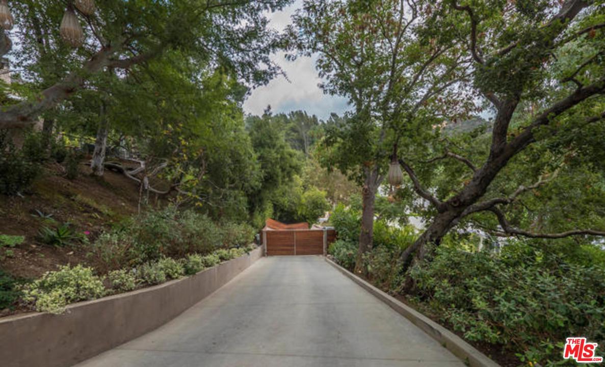 Photo of 11011 ANZIO RD, Los Angeles, CA 90077