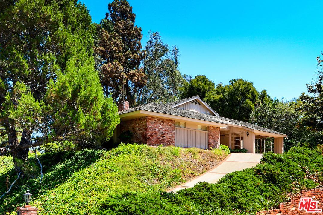 Photo of 1045 CAROLYN WAY, Beverly Hills, CA 90210