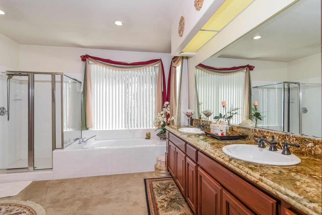 4365 TIMBERDALE, Moorpark, CA 93021 - 036-photo-master-bathroom-6306143