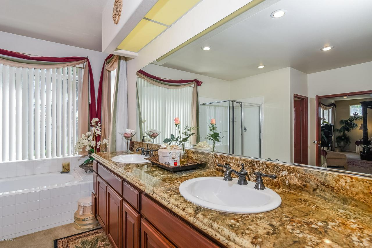 4365 TIMBERDALE, Moorpark, CA 93021 - 037-photo-master-bathroom-6306144