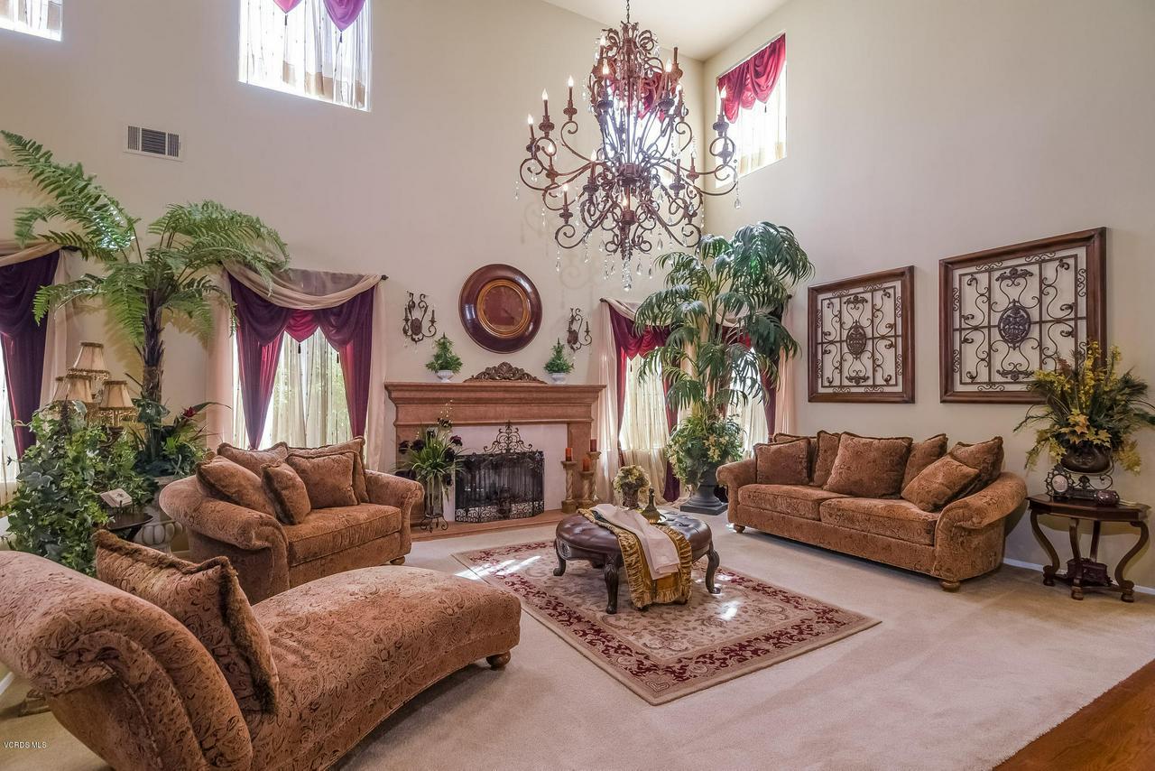 4365 TIMBERDALE, Moorpark, CA 93021 - 007-photo-living-room-6306147