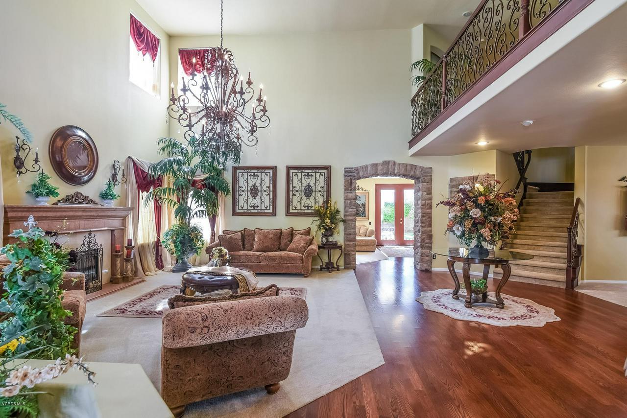 4365 TIMBERDALE, Moorpark, CA 93021 - 012-photo-living-room-6306177