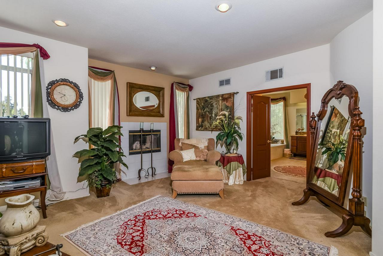 4365 TIMBERDALE, Moorpark, CA 93021 - 034-photo-master-bedroom-6306141
