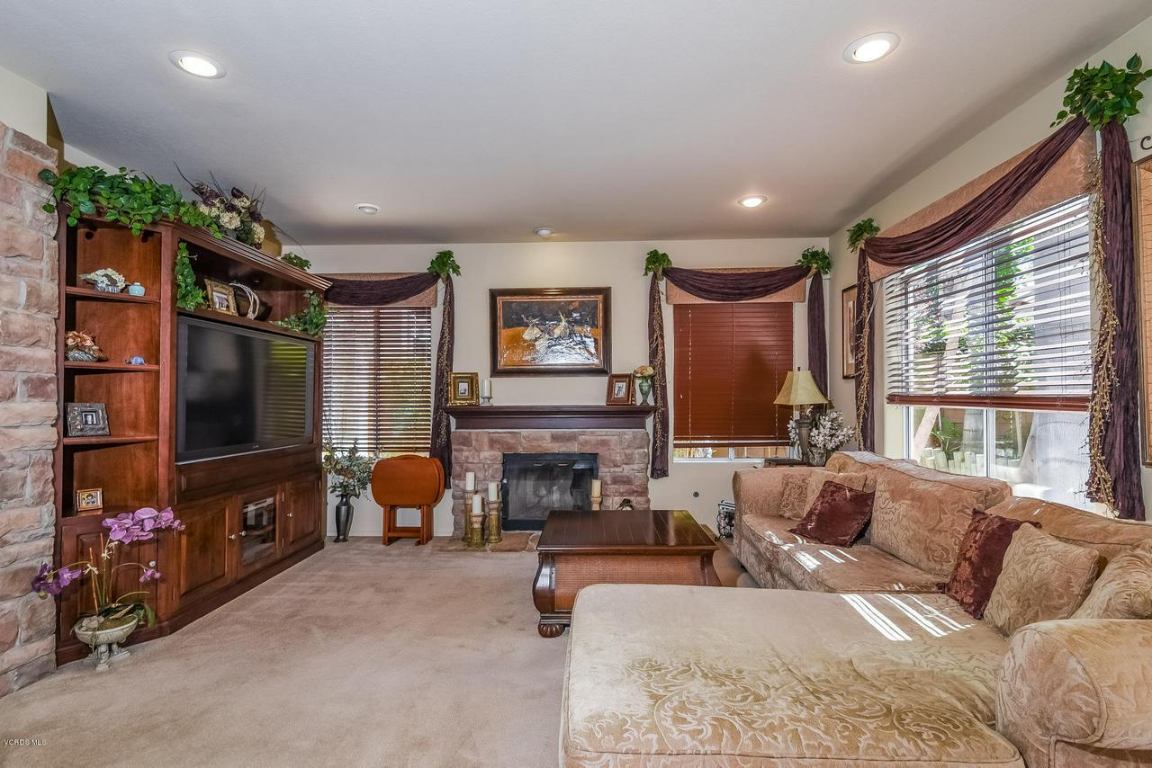 4365 TIMBERDALE, Moorpark, CA 93021 - 026-photo-family-room-6306163
