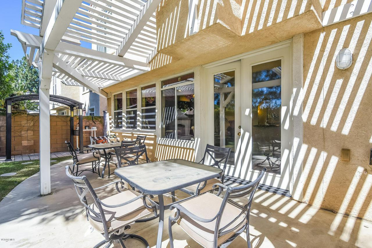 4365 TIMBERDALE, Moorpark, CA 93021 - 052-photo-patio-6306175