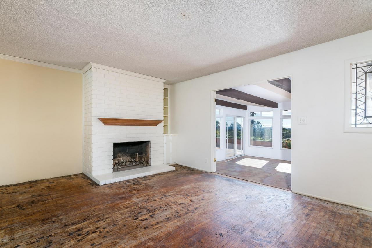 2448 SHERWOOD, Ventura, CA 93001 - Fireplace - Sunroom entrance