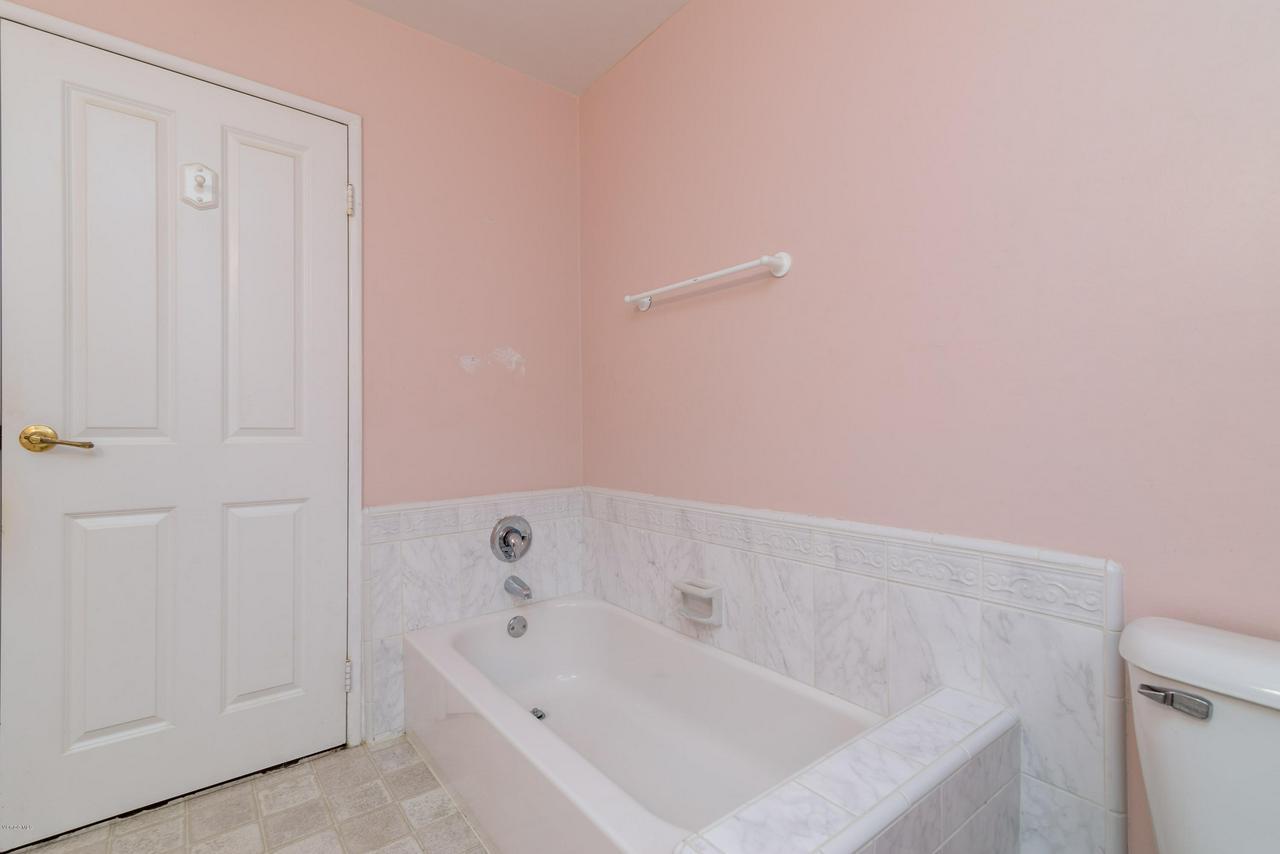 2448 SHERWOOD, Ventura, CA 93001 - Guest Bath