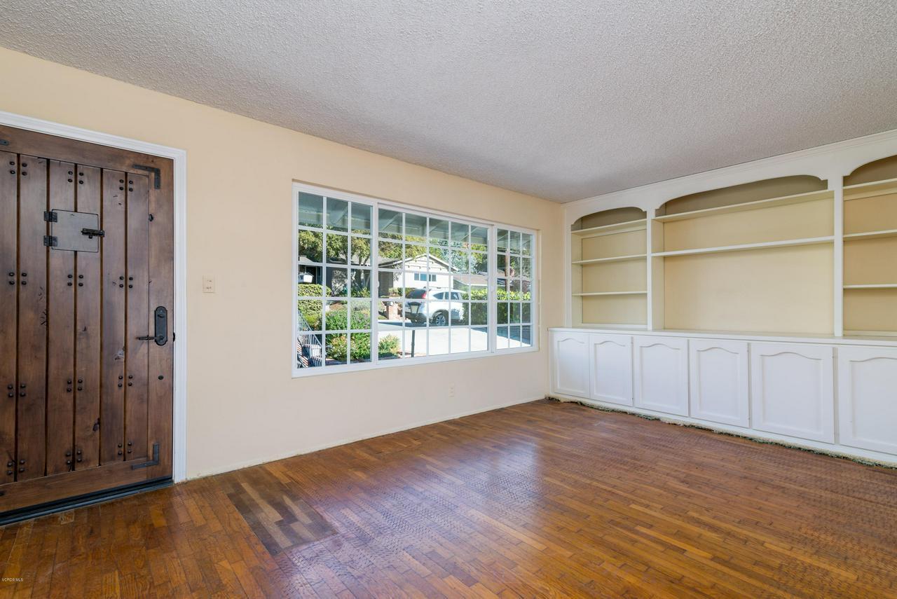 2448 SHERWOOD, Ventura, CA 93001 - Living room