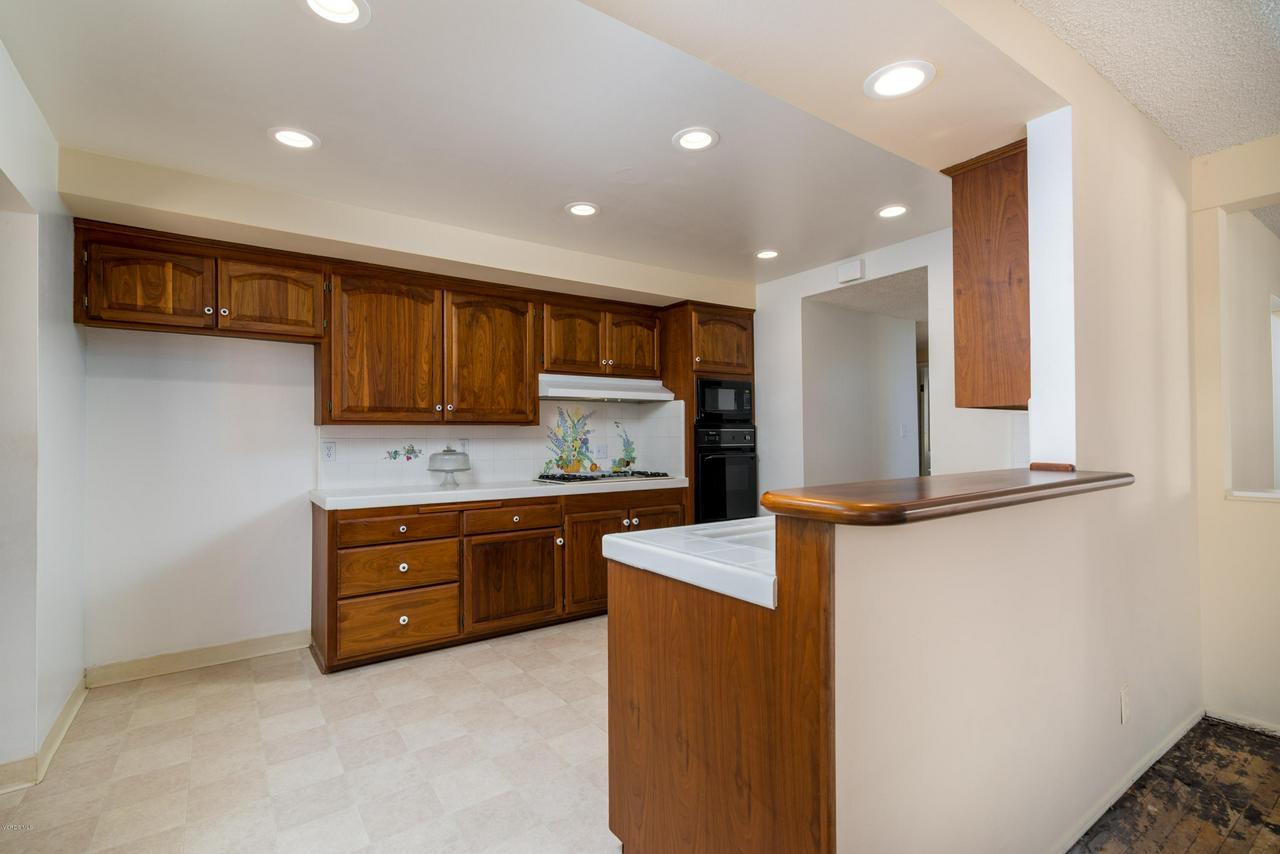 2448 SHERWOOD, Ventura, CA 93001 - Spacious Kitchen