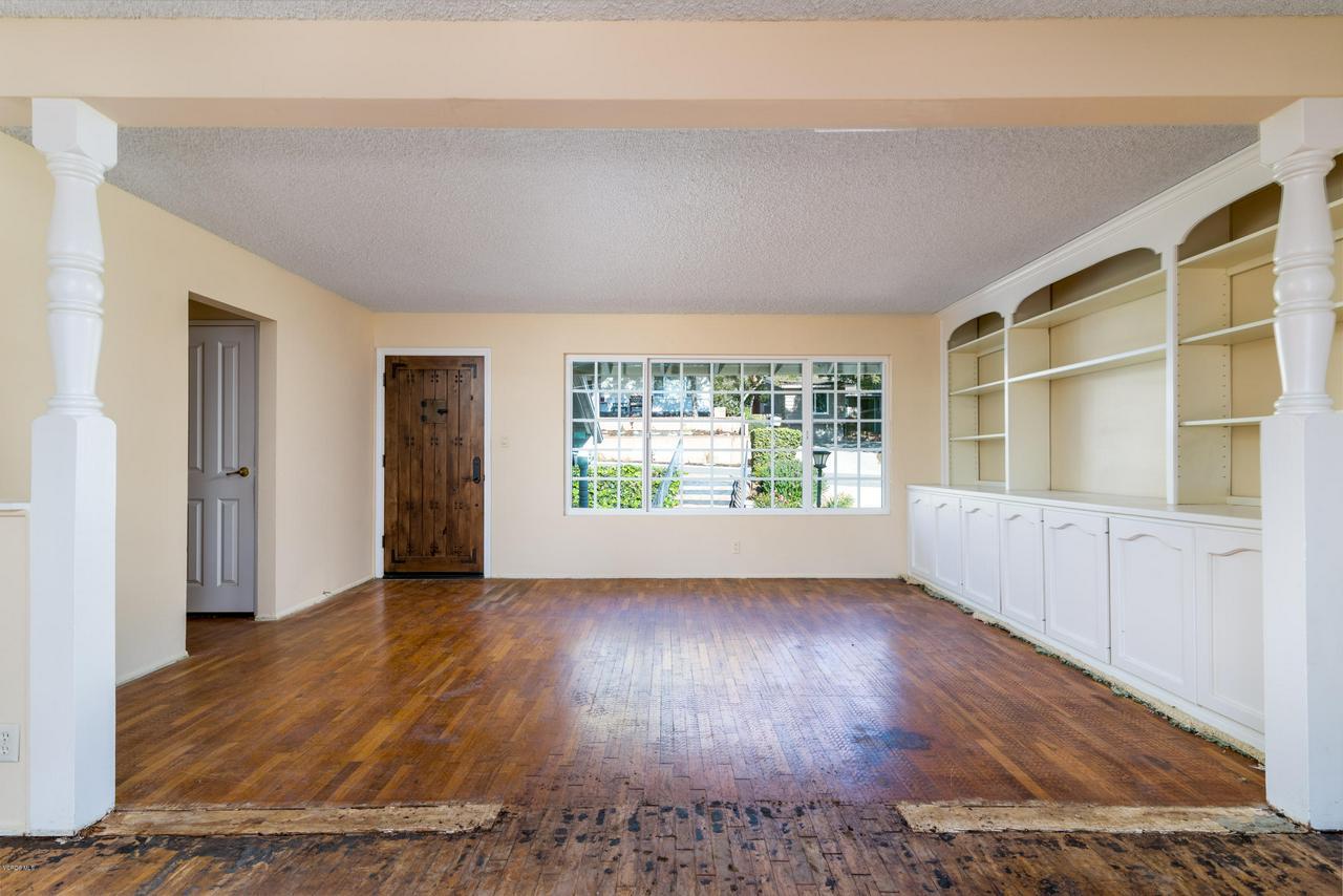 2448 SHERWOOD, Ventura, CA 93001 - Living area