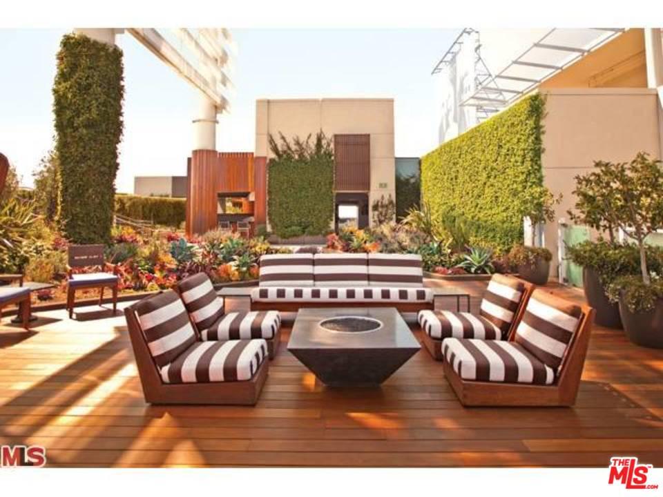 6250 HOLLYWOOD, Los Angeles (City), CA 90028