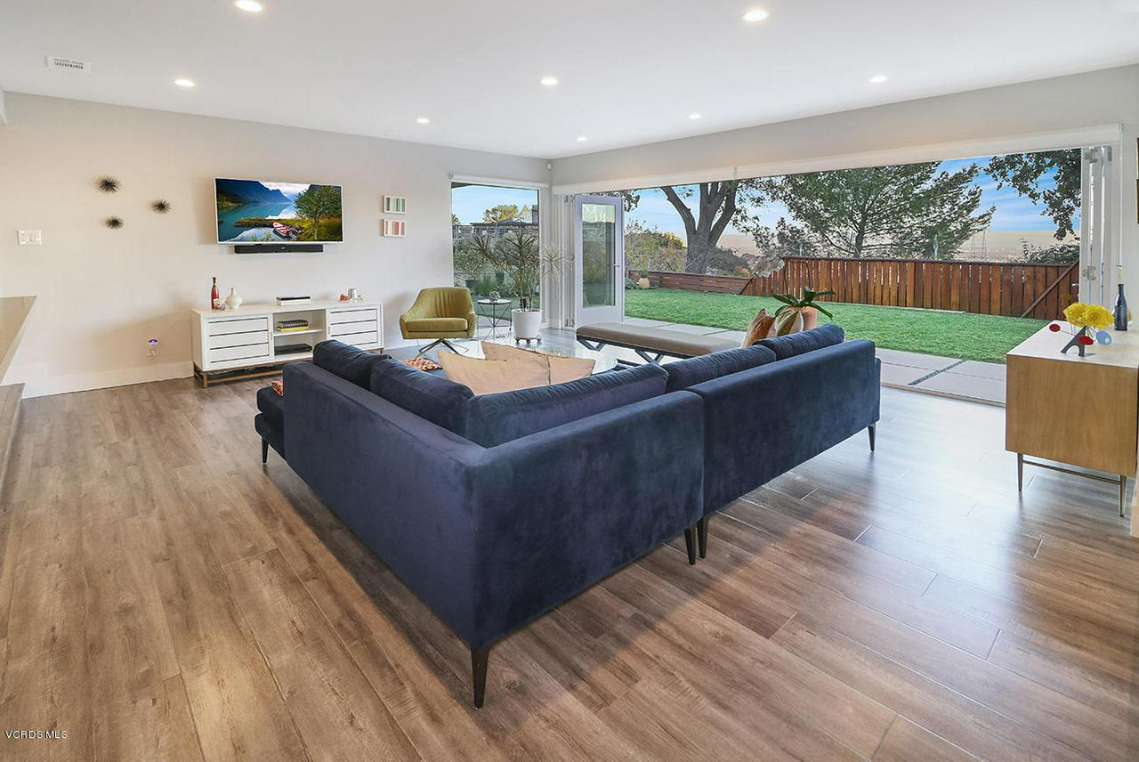 7868 MESA, Simi Valley, CA 93063 - eLiving Room3