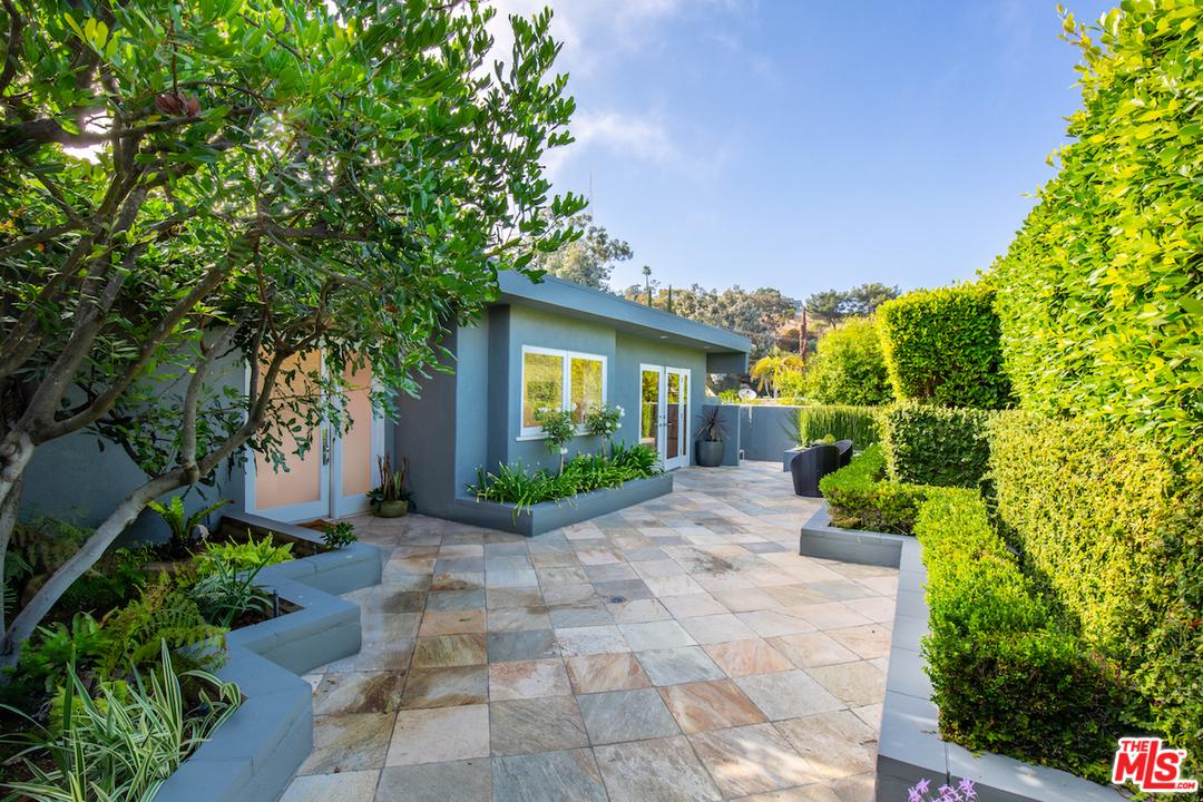 2431 GREEN VIEW, Los Angeles (City), CA 90046