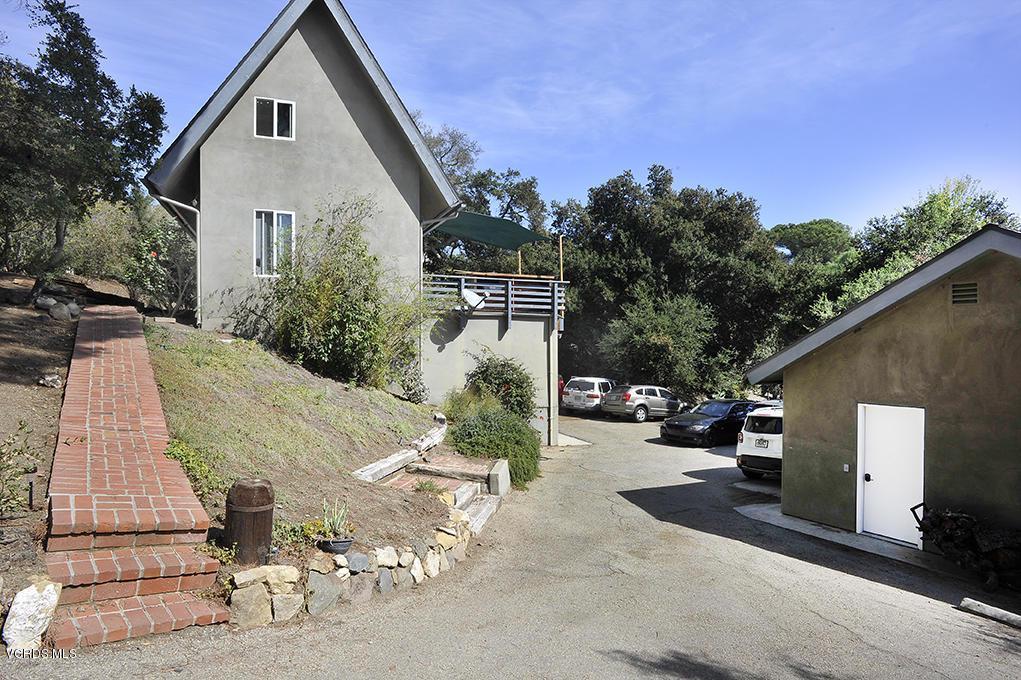 33206 DECKER SCHOOL, Malibu, CA 90265 - Driveway to House