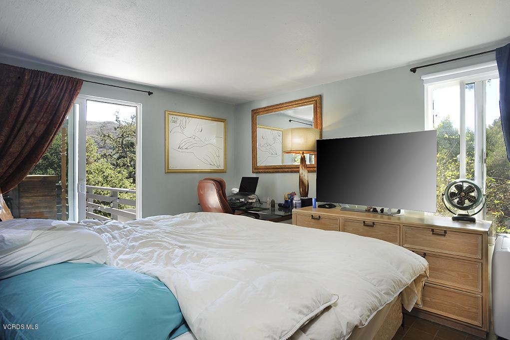33206 DECKER SCHOOL, Malibu, CA 90265 - Main Floor Bedroom