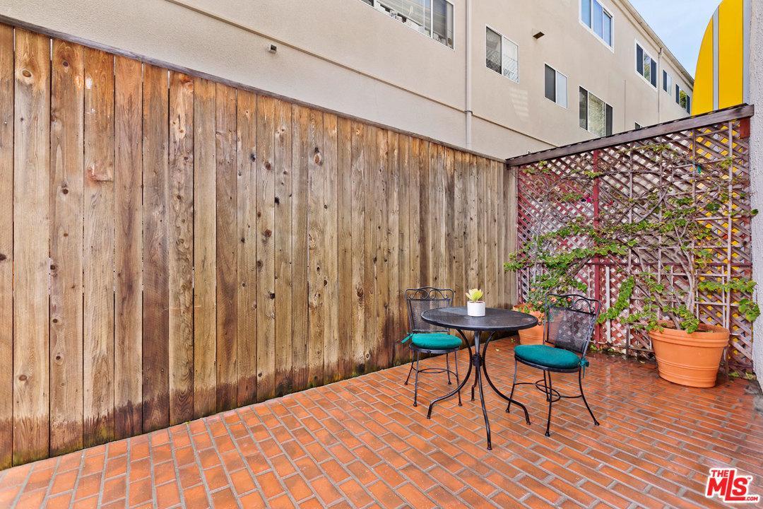 450 SAN VICENTE, Santa Monica, CA 90402