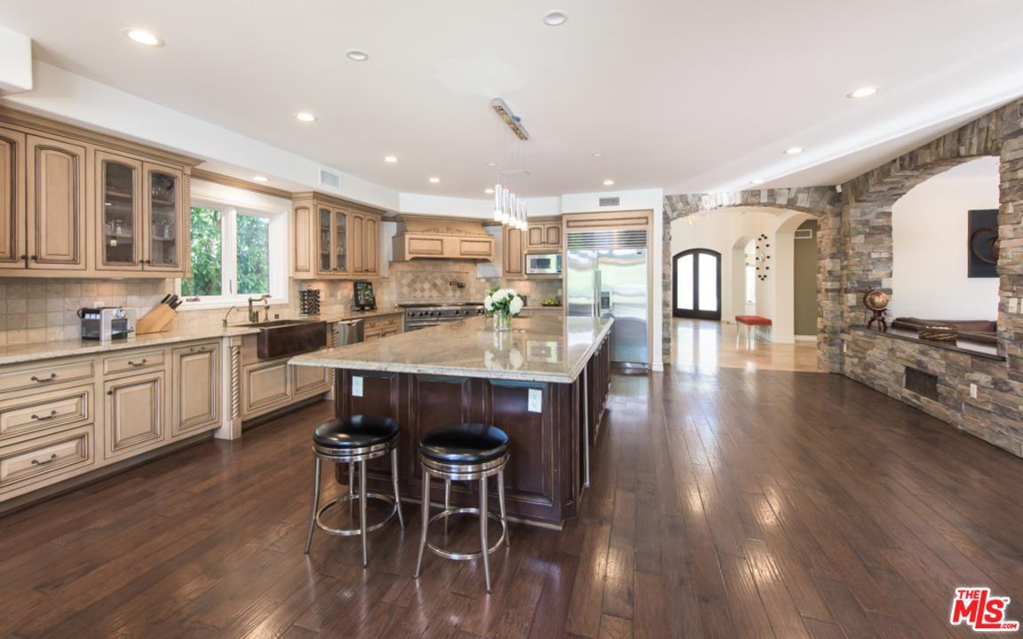 14717 SUTTON, Sherman Oaks, CA 91403