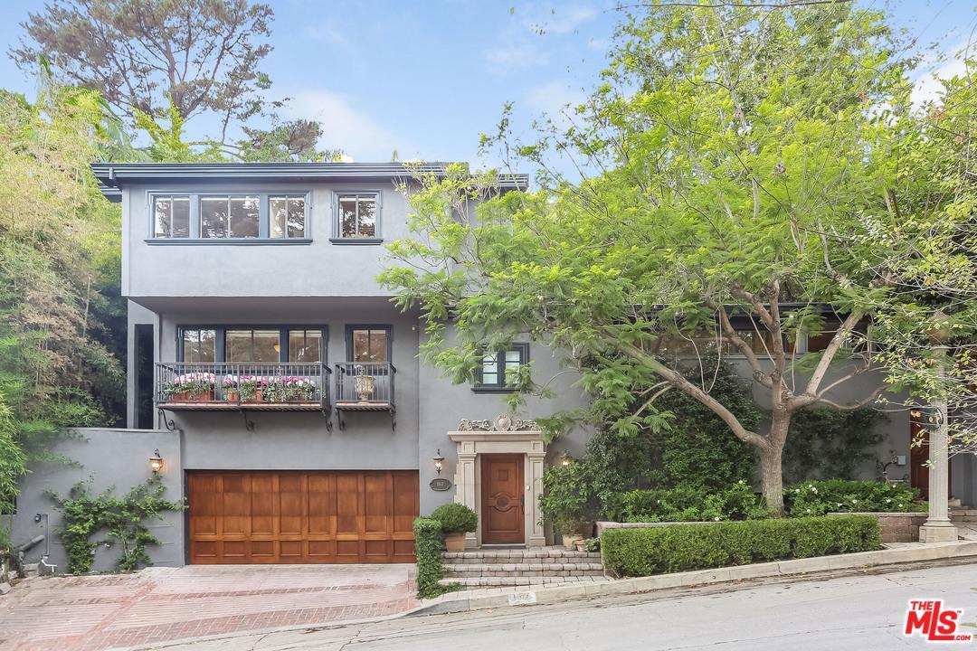 Photo of 1517 SCHUYLER RD, Beverly Hills, CA 90210