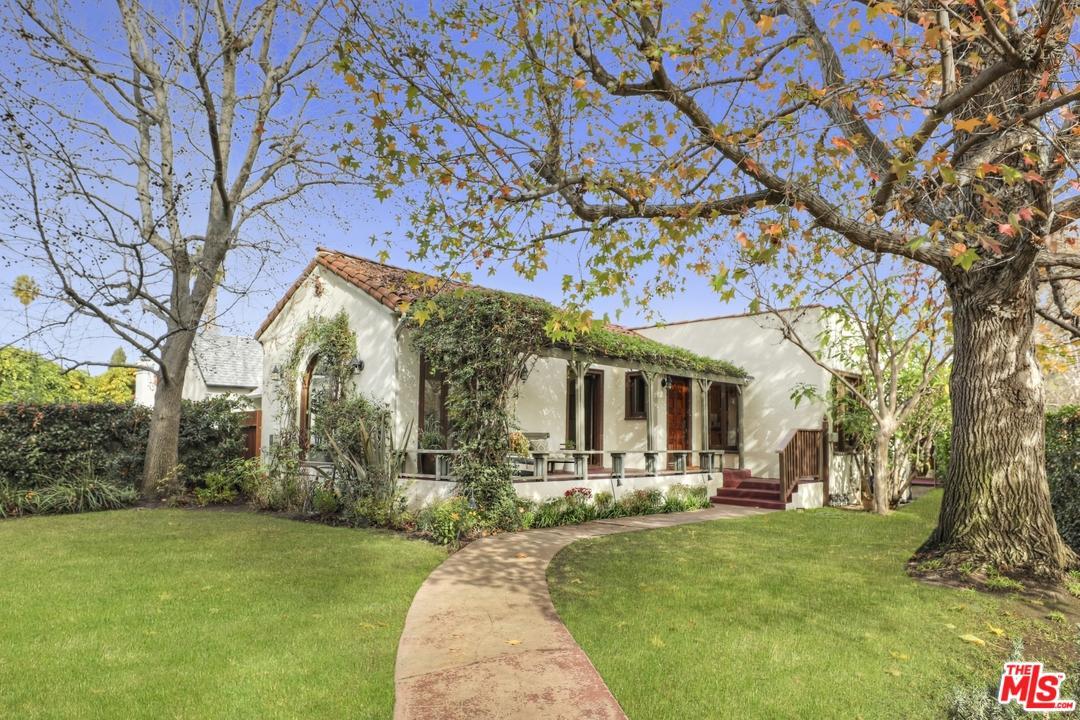 3703 GLENFELIZ, Los Angeles (City), CA 90039