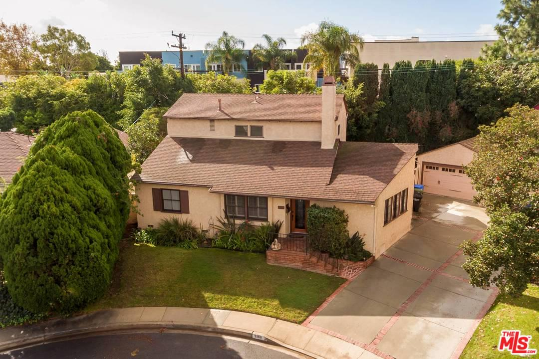 Photo of 5169 STEVENS CIR, Culver City, CA 90230