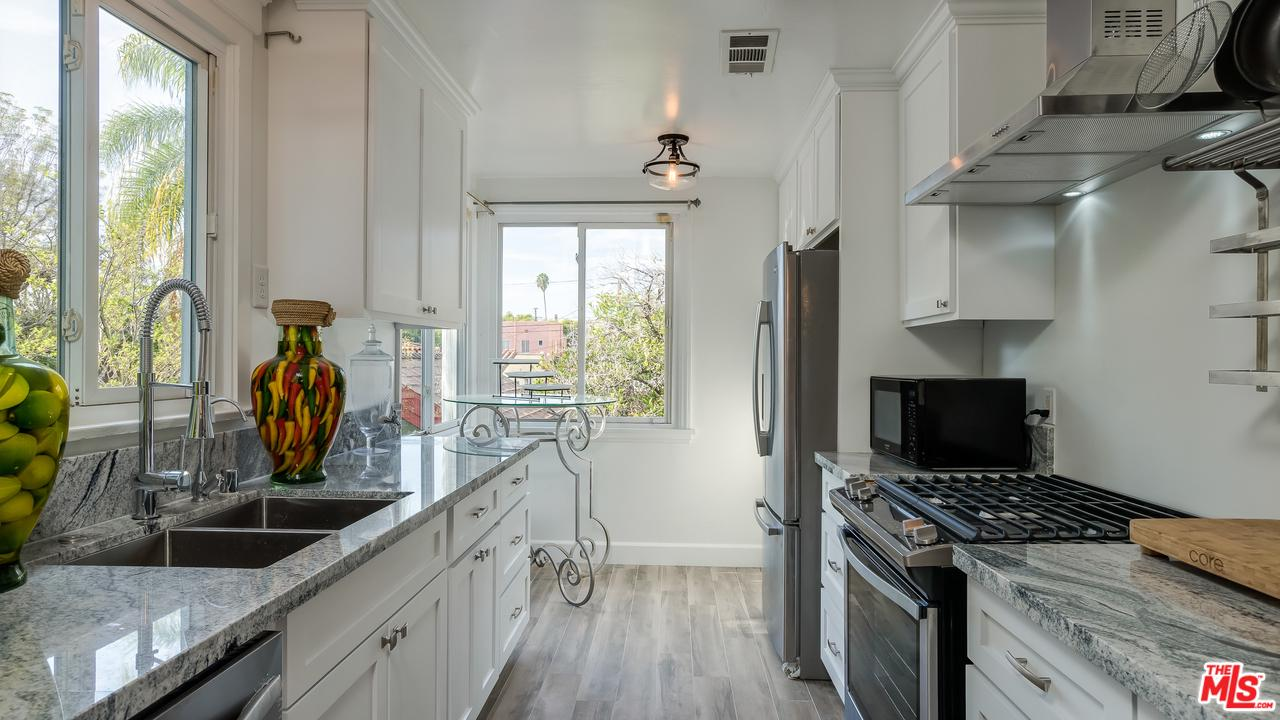 1133 LONGWOOD, Los Angeles (City), CA 90019