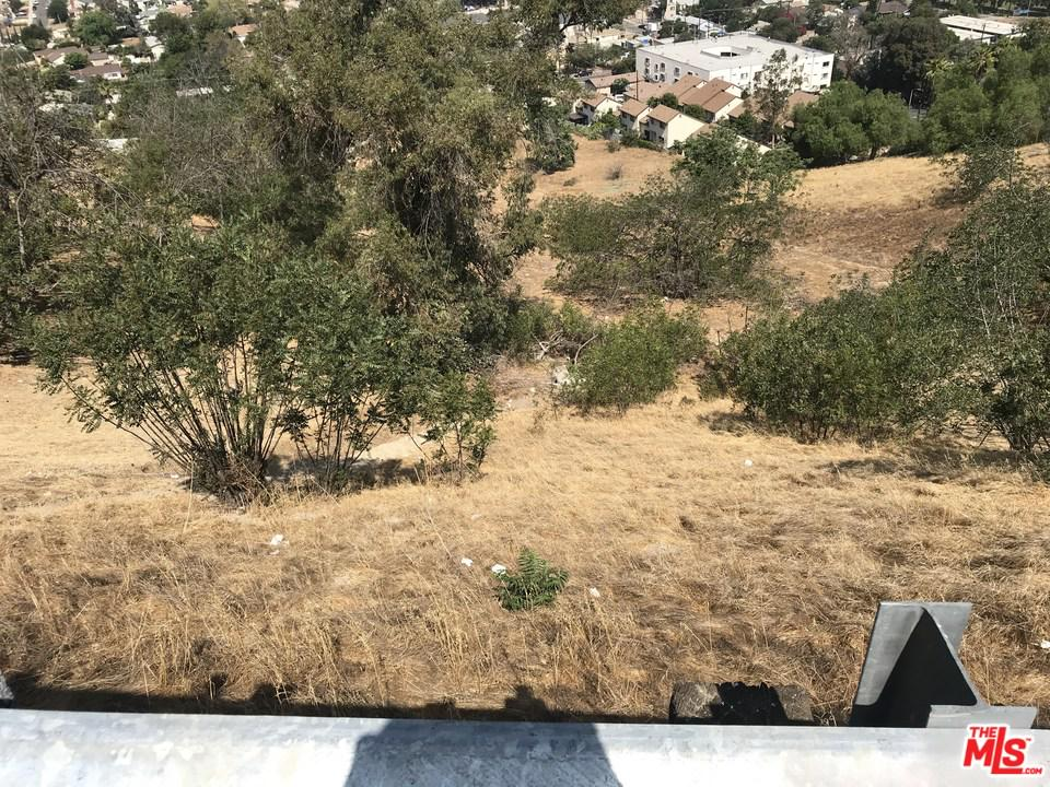 4945 LA CALANDRIA, Los Angeles (City), CA 90032