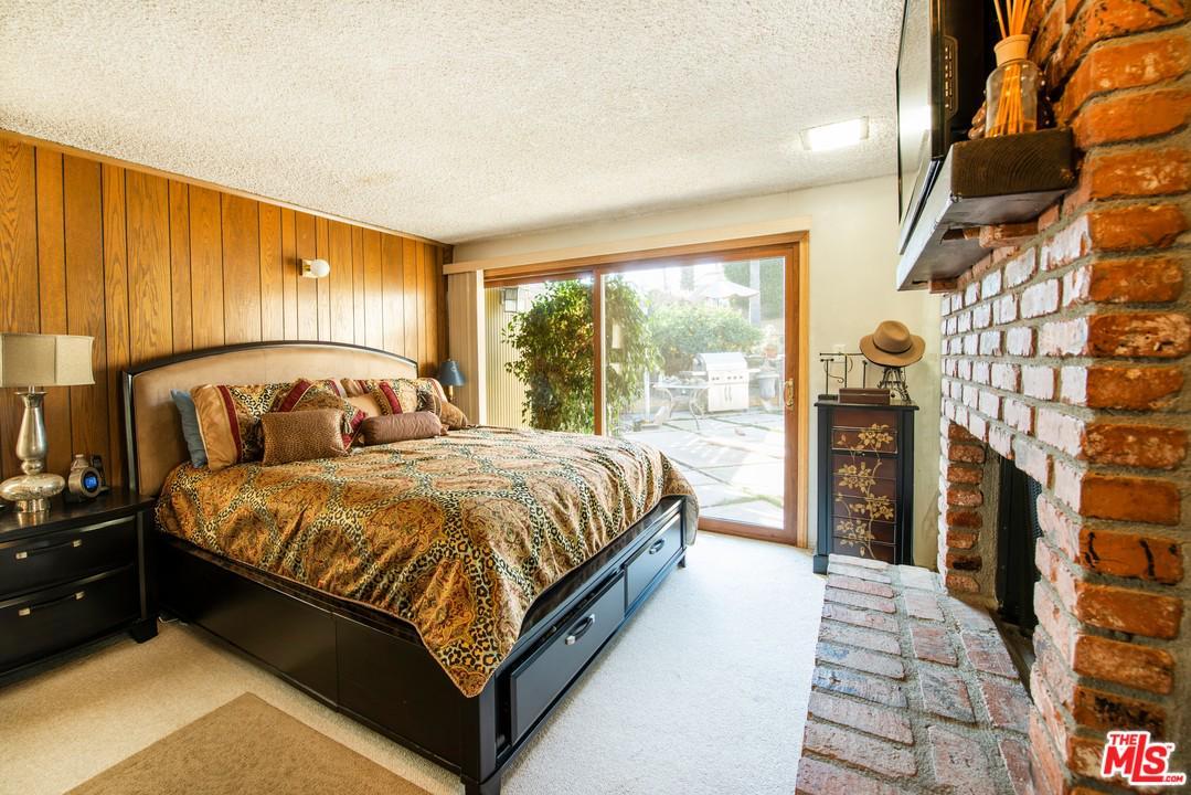 4937 HILLCREST, View Park, CA 90043
