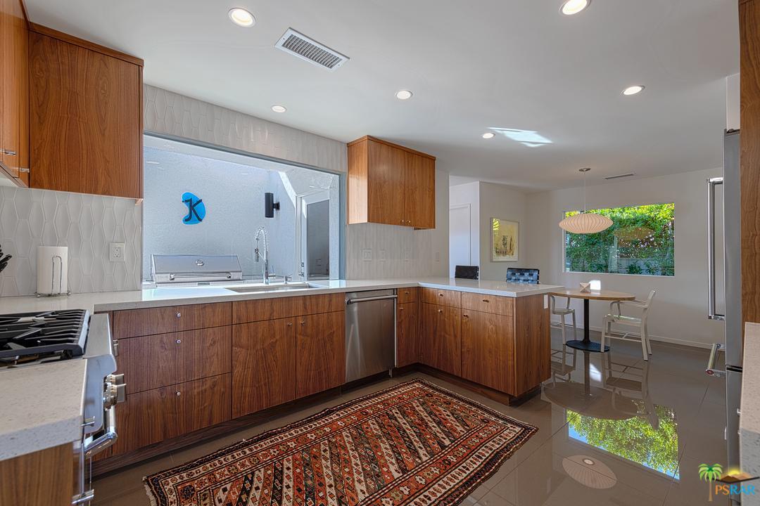 2352 YOSEMITE, Palm Springs, CA 92264