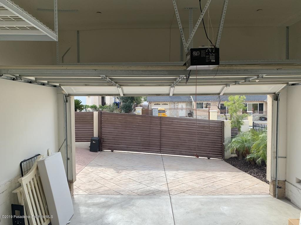 7167 SUMMITROSE, Tujunga, CA 91042 - Garage 1