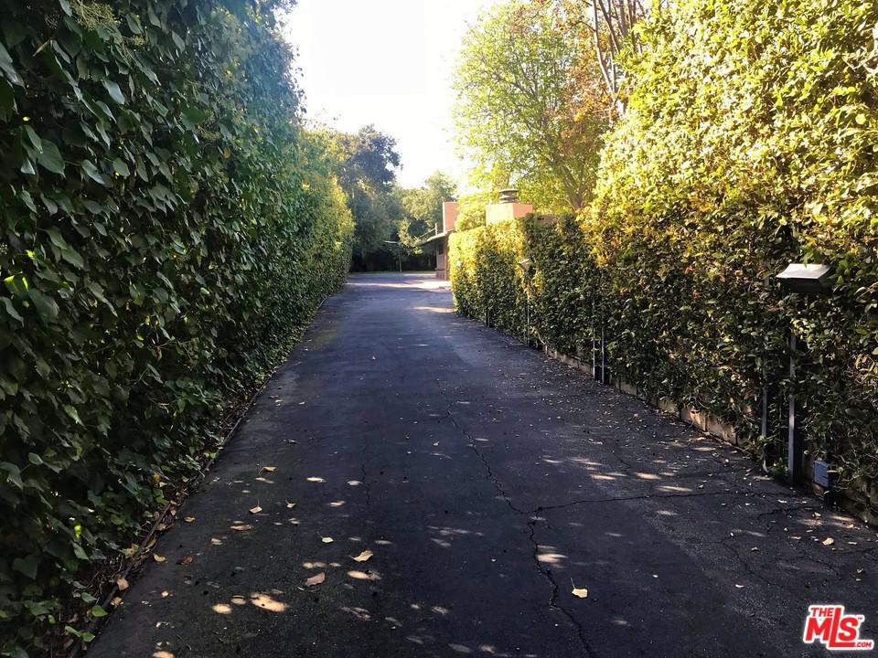 Photo of 5401 ENCINO AVE, Encino, CA 91316